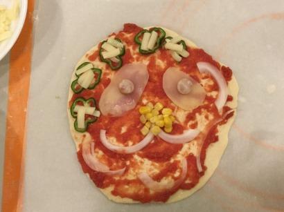 こーんなピザを作った人も!