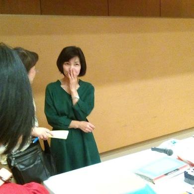 参加者の質問に答える井田さん